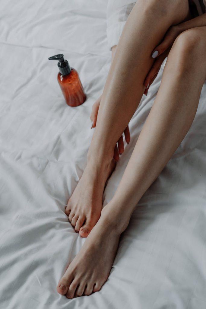 Етерични масла и изпитани рецепти при оток и болка в..